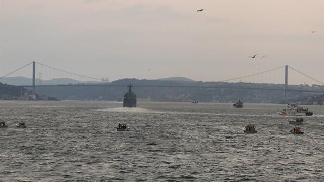 İstanbul Boğazından Rus savaş gemileri geçti