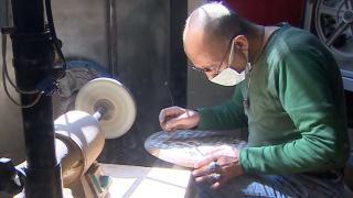 Mehmet Ağca 40 yıldır sedefi sanat eserine dönüştürüyor