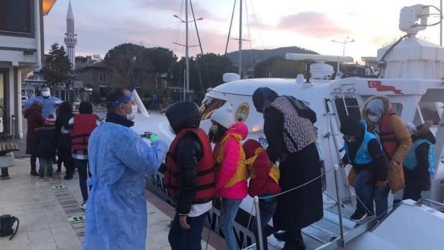 Güneş Adasında mahsur kalan 48 sığınmacı kurtarıldı
