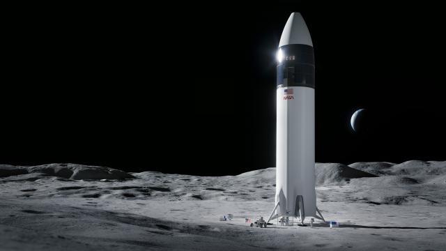 NASA, Aya inecek kapsülün inşası için SpaceXi seçti