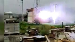 Elektrik trafosunun patlama anı kamerada