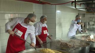 Türk Kızılay, Ankara'da 12 bin sofrayı donatıyor