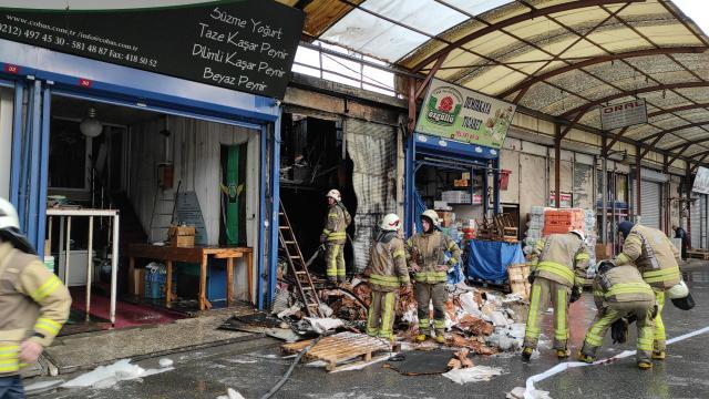 Rami Kuru Gıda Halinde çıkan yangın söndürüldü