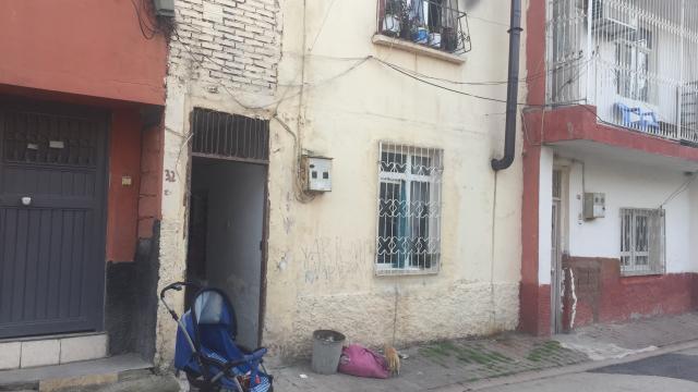Adanada tabancayla başından vurulan çocuk ağır yaralandı