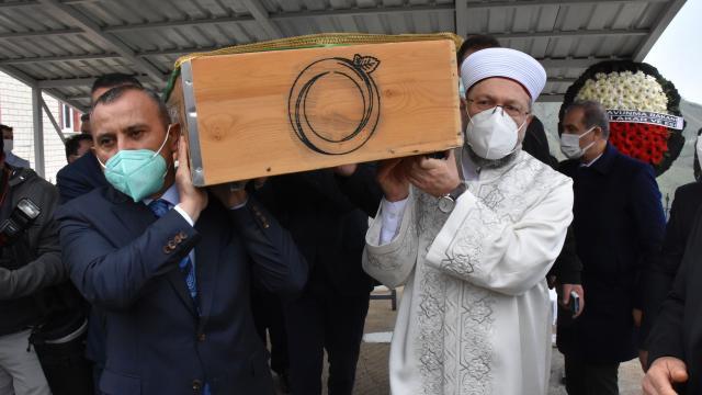 Diyanet İşleri Başkanı Ali Erbaşın vefat eden amcası son yolculuğuna uğurlandı