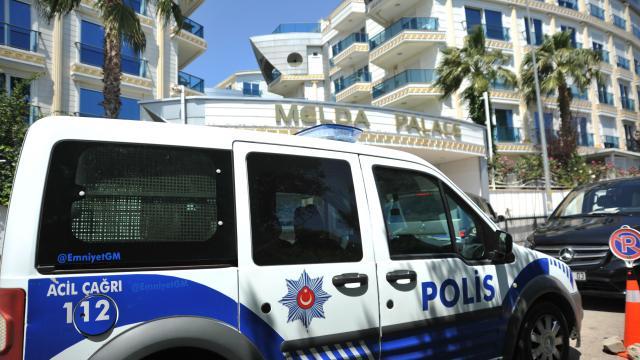 İranlı borsacı Antalyada apart otelde ölü bulundu