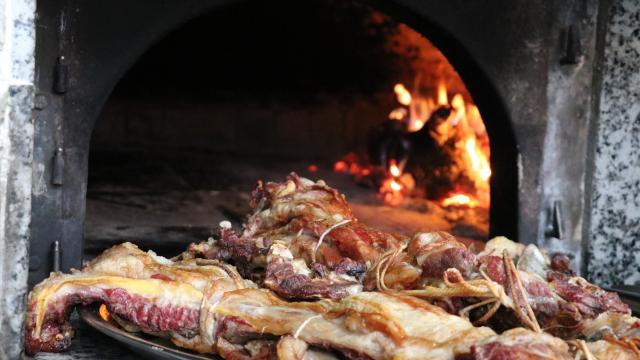 Siirtin tescilli lezzeti büryan kebabı paket servisle iftar sofralarına lezzet katıyor
