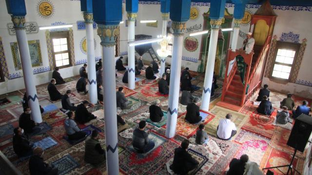 Denizlide antik kent içindeki Tarihi Cevher Paşa Camii yeniden ibadete açıldı