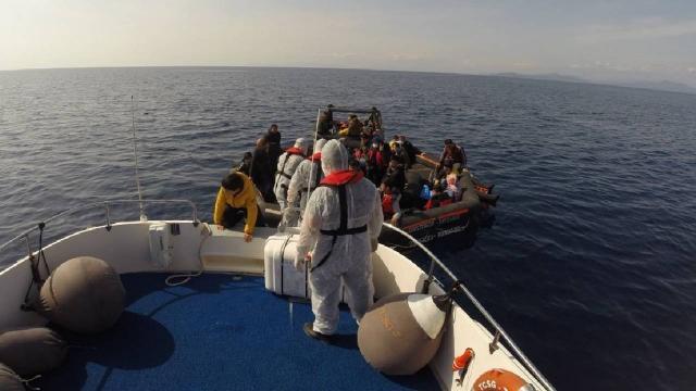 Yunanistanın ittiği 59 düzensiz göçmen kurtarıldı