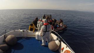 Yunanistan'ın ittiği 59 düzensiz göçmen kurtarıldı