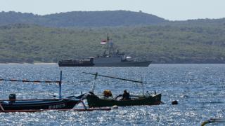 Endonezya'da kayıp denizaltıyı arama çalışmaları devam ediyor