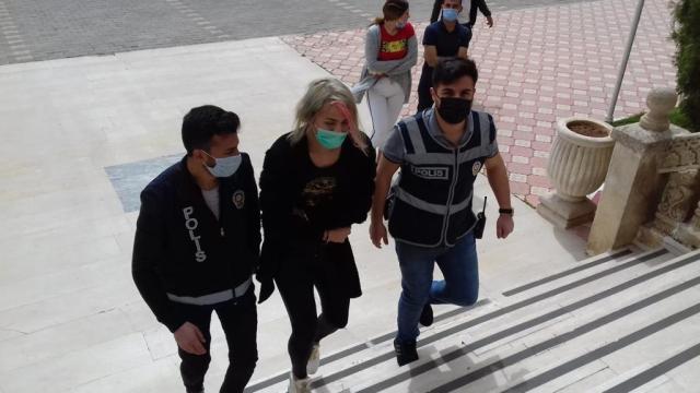 Adanada türbede saygısızlık yaptığı gerekçesiyle gözaltına alınan şüpheli hakkında adli kontrol kararı