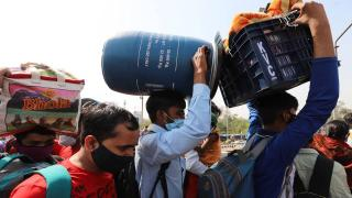 Hindistan'da sokağa çıkma kısıtlaması sonrası işçi göçü