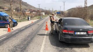 Malatya'da jandarma Covid-19 denetimini sürdürdü