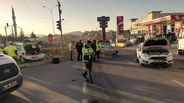 Kırşehirde zincirleme kaza: 4 yaralı