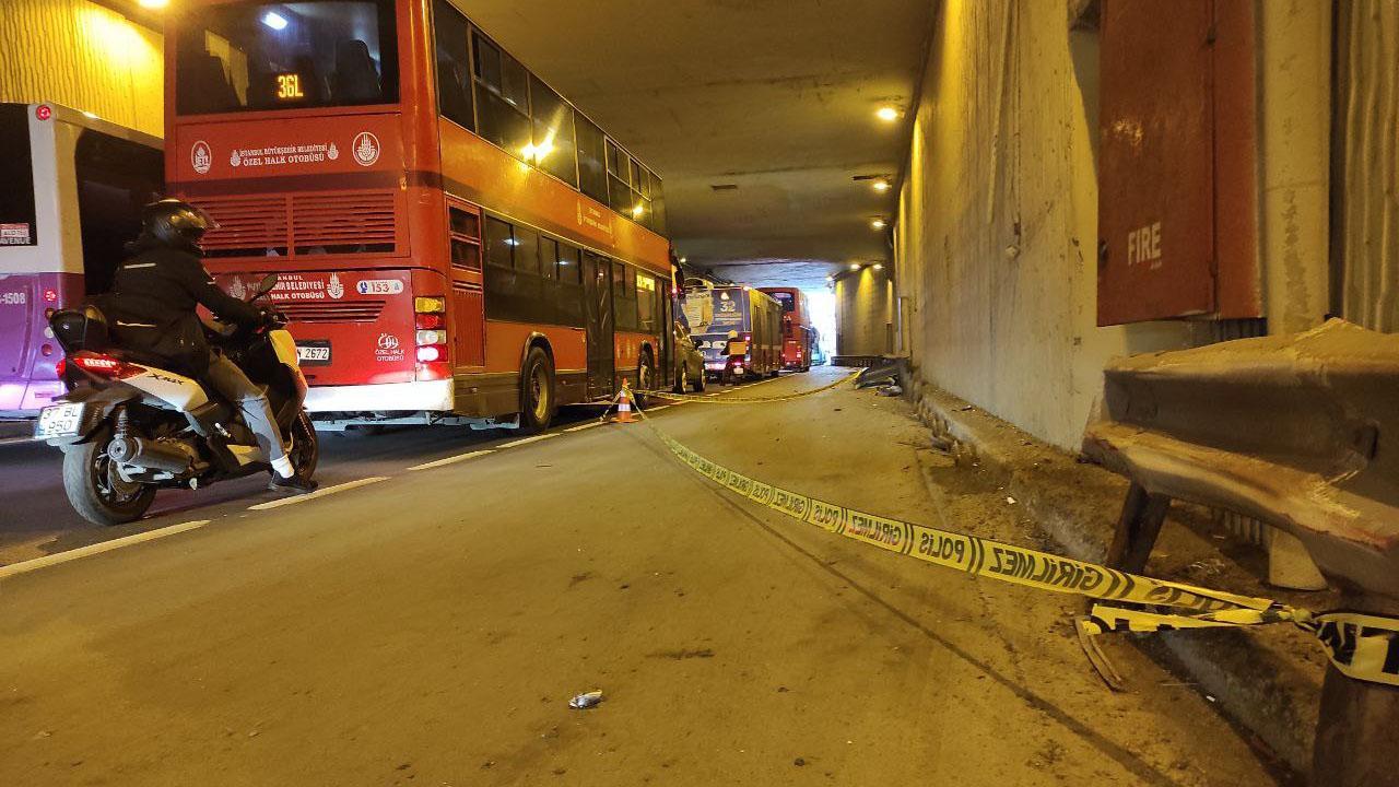 Beşiktaşta çift katlı İETT otobüsü bariyere çarptı: 1 ölü, 1 yaralı