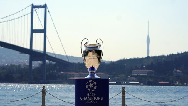Şampiyonlar Ligi Kupası İstanbul Boğazında