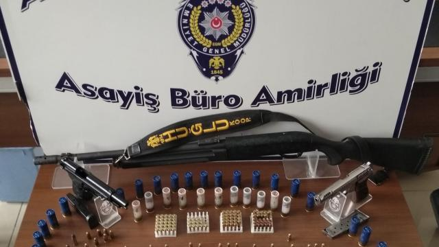 Konyada kaçak silah operasyonu: 2 gözaltı