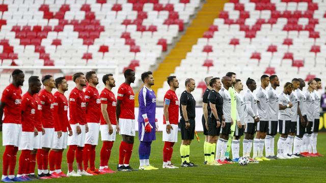 Sivassporda 1, Beşiktaşta 3 değişiklik