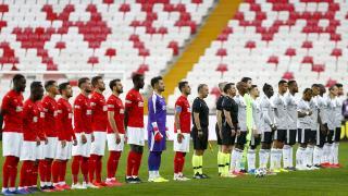Sivasspor'da 1, Beşiktaş'ta 3 değişiklik