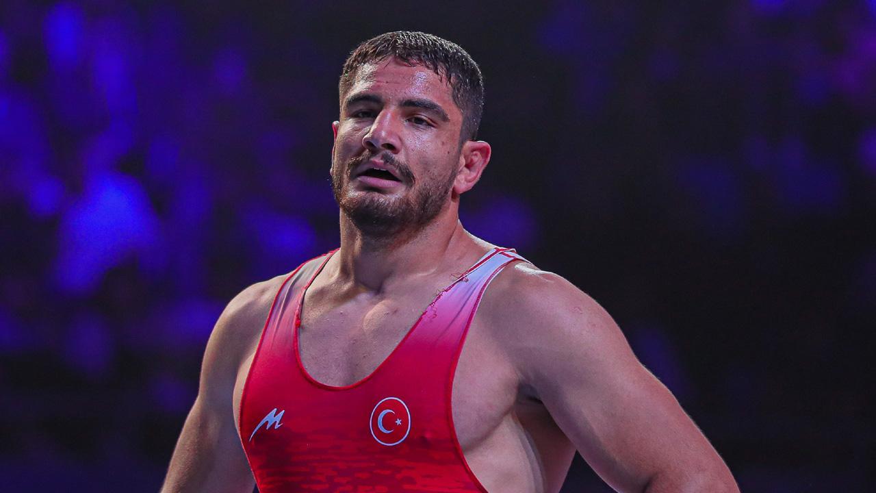 Taha Akgül Avrupa Güreş Şampiyonasında finale yükseldi
