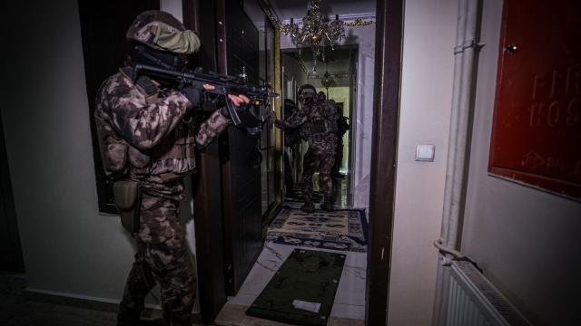 Emniyet ve MİTten DEAŞa ortak operasyon: 14 gözaltı