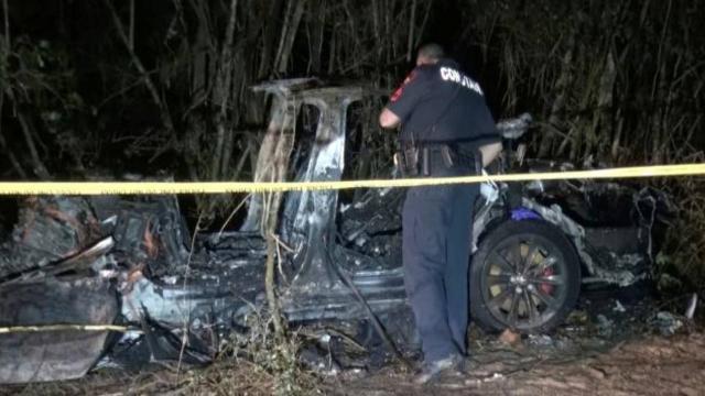 ABDde 2 kişinin öldüğü sürücüsüz Tesla kazasına federal inceleme