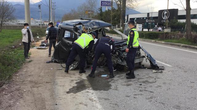 Bursada trafik kazası: 4 ağır yaralı