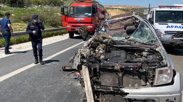 Kahramanmaraşta kamyonet ile tır çarpıştı: 1 ölü