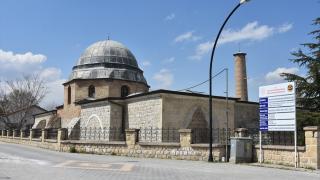 800 yıllık Ulu Cami'de depremin yaraları sarılıyor