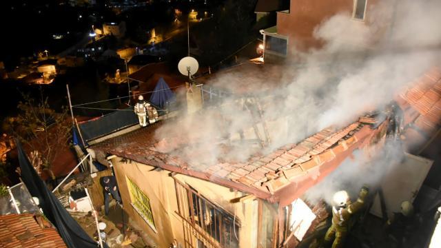 Sarıyerde müstakil bir evde yangın çıktı