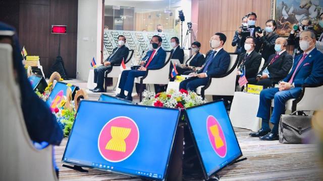 """ASEANdan Myanmar askeri yönetimine """"şiddeti durdurma"""" çağrısı"""