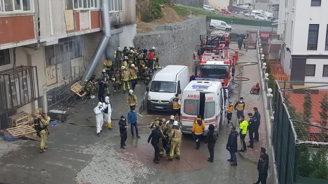 İstanbulda hırdavat deposunda yangın: 4 ölü