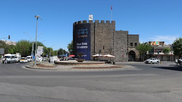 Diyarbakırda hafif raylı sistem için çalışmalar başladı