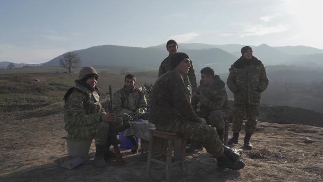 """""""Sarhoş"""" Ermeni askerleri Azerbaycan ve Rus askerlerine ateş açtı"""