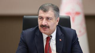 """Sağlık Bakanı Koca'dan """"23 Nisan"""" sürprizi"""