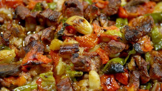 Kayseri lezzetlerinden fırın ağzı iftar sofralarını süslüyor