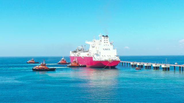 Türkiyenin ilk doğalgaz depolama gemisi Hatay açıklarında