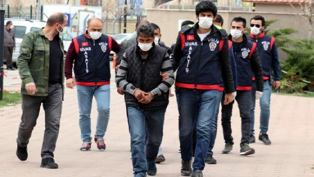 Sivasta 245 suç kaydı bulunan 5 dolandırıcı yakalandı