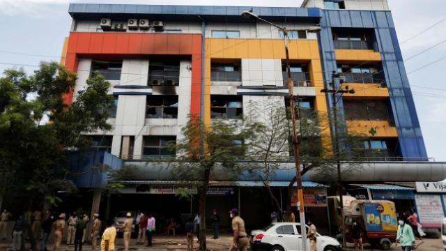 Hindistanda hastanede patlama: 13 hasta öldü