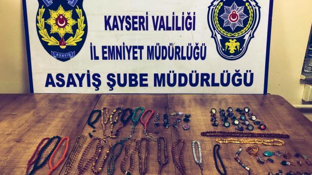 Kayseride 65 bin lira değerinde gümüş takı ve tespih çalan zanlı yakalandı