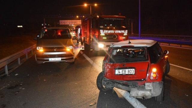 Küçükçekmecede zincirleme trafik kazası: 7 yaralı