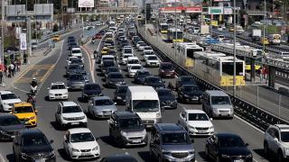 İstanbul'da kısıtlama öncesi trafik yoğunluğu yüzde 76'ya ulaştı