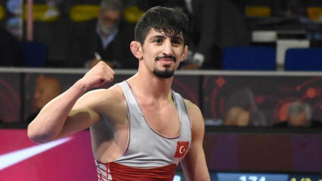 Milli güreşçi Kerem Kamal Avrupa ikincisi oldu