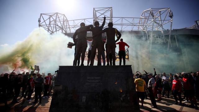 "Manchester United taraftarından ""Avrupa Süper Ligi"" protestosu"