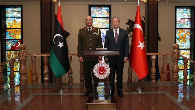 Bakan Akar, Libya Genelkurmay Başkanını kabul etti