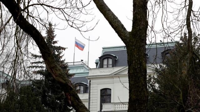 Çekyadan Rusyaya: Büyükelçilik çalışanlarının sayısını azalt