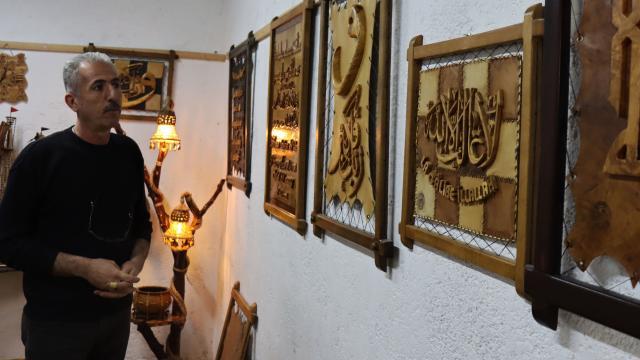 Suriyeli 35 yıllık ahşap ustası Kiliste sanatını sürdürüyor