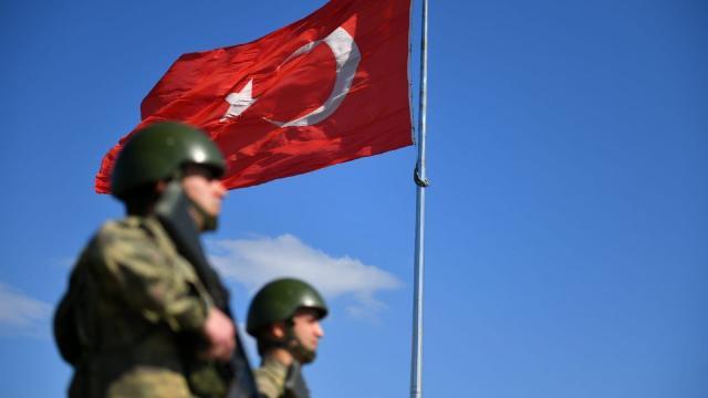 Yasa dışı yollarla yurt dışına kaçmaya çalışan 41 terörist yakalandı