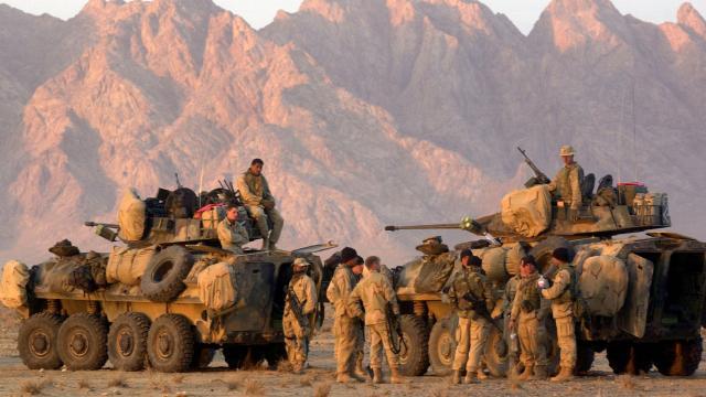 Afganistandaki yabancı üslerin tahliyesi başladı